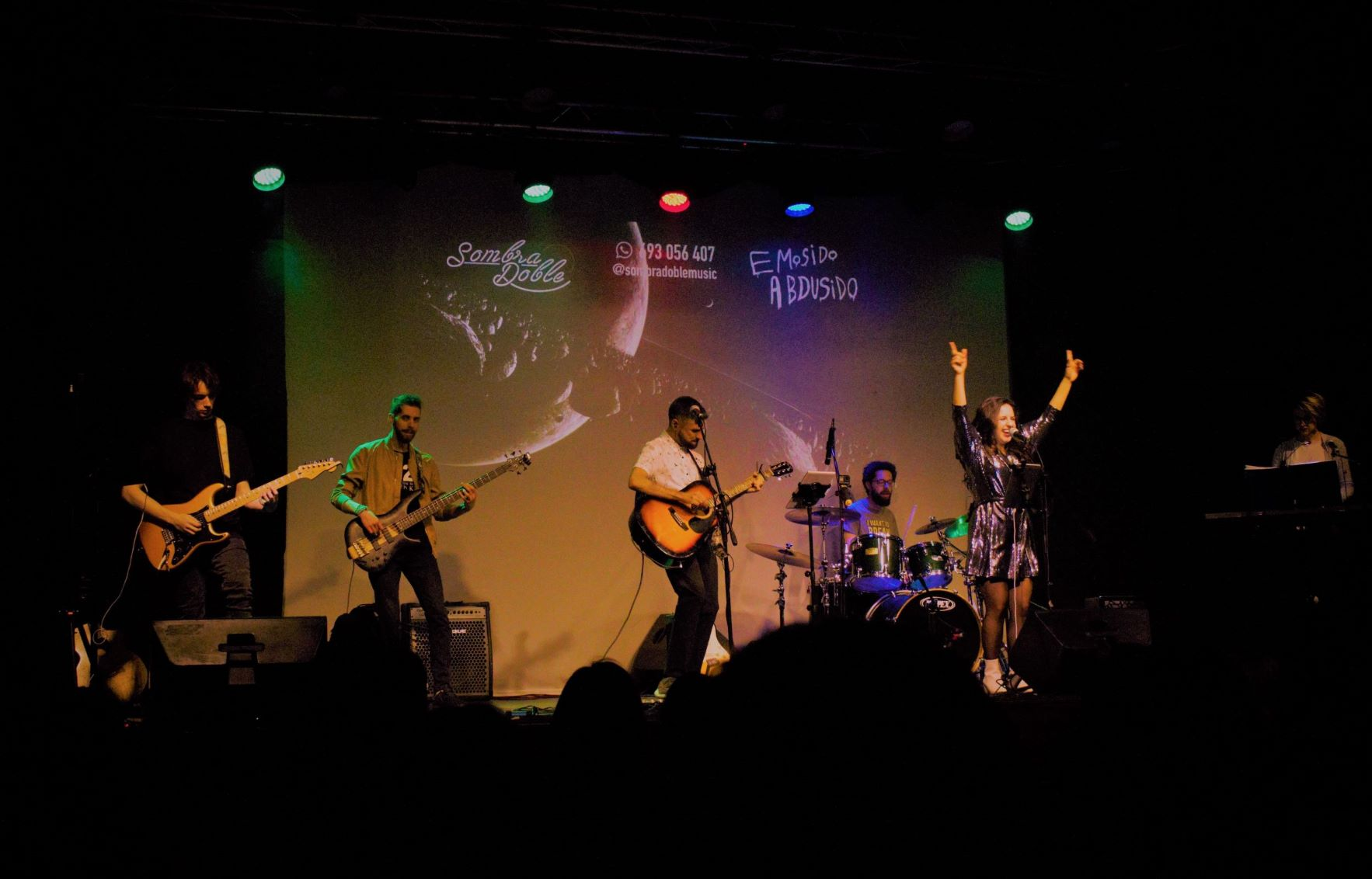 Sombra Doble tributo al indie español (Izal, Vetusta Morla, Pereza, Leiva...)